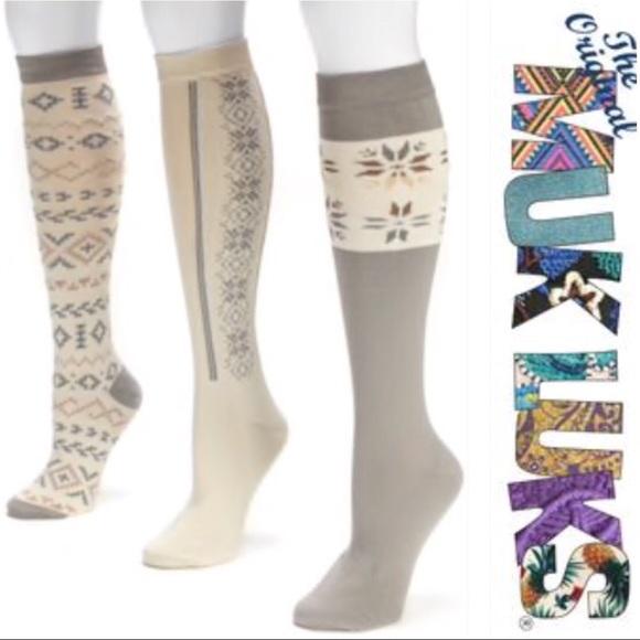 8e2678ce1 3 Muk Luks knee high socks